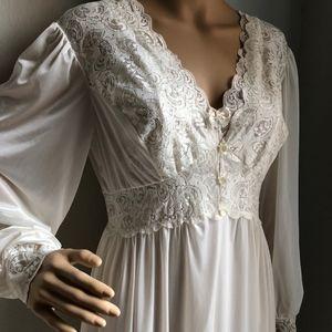 *SOLD* Shadowline Romantic Bridal Nightgown Robe